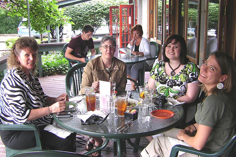 Eating lunch at Polmodoros