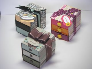 Matchbox Die Chest of Drawers 0809.jpg